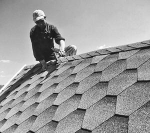 Залогом комфорта и надежности каждого дома является его крыша. Она защищает жилье от непогоды и является гарантом защищенности. Поэтому выбор кровельного покрытия - важный аспект в загородном строительстве. При выборе следует учитывать форму и структуру крыши, угол ее наклона, предполагаются ли мансарды, отвесы, водосливы и много других немаловажных нюансов. Сегодня рынок строительных материалов предлагает самый широкий выбор видов кровли под любые требования и предпочтения. Это может быть шифер, древесина, металлические покрытия, однако наиболее популярными стали варианты из различных видов черепицы.
