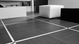 Керамогранит является одним из самых «новейших» и самых популярных отделочных строительных материалов. Это искусственный материал, изготавливаемый в форме плит. Плитка из керамогранита впервые была произведена в Италии.