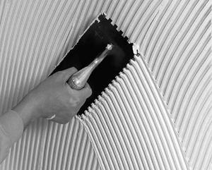В наше время на рынке строительной продукции помимо традиционных крепежных материалов имеется огромное количество всевозможных клеящих составов. Учитывая, что технология применения клеев сравнительно проста, а по своим характеристикам они не хуже, а в некоторых случаях даже лучше традиционных крепежных материалов, клеи все чаще используются при проведении ремонтно-строительных работ.