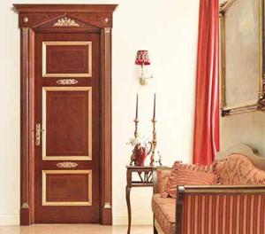 Лет пятьдесят назад межкомнатные дверные конструкции были представлены лишь в двух вариантах: гладкая дверь и дверь со стеклом; для изготовления дверного полотна использовались массив и фанера. Окрашивались такие двери краской - и не один раз в процессе эксплуатации. Впоследствии появились двери из ДВП, покрытые пленкой имитирующей текстуру и цвет натуральной древесины. Современный рынок межкомнатных дверей пестрит разнообразием.