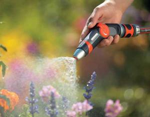 Сегодня садовод-огородник может выбрать разные способы полива: поверхностный, внутри-почвенный, микрокапельный или дождевальный