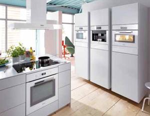 Кухня в квартире или доме является особым помещением, которое используется для приготовления и принятия пищи. И незаменимым помощником любой хозяйки здесь является специальная бытовая техника.
