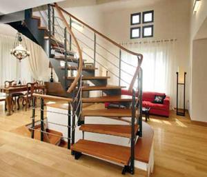 Какая бы лестница ни была - наружная или внутренняя, узкая или широкая винтовая или прямая, с перилами или без - это необходимый атрибут дома, связующее звено между этажами. Играя важную роль в повседневной жизни хозяев, она задает тон и атмосферу дома.