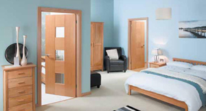 Выбирая межкомнатные двери, устройте проверку с пристрастием как минимум по пяти пунктам. Вы легко отличите качественное изделие, если воспользуетесь профессиональной подсказкой. Но главное, при достойном исполнении, хорошие межкомнатные двери должны идеально вписаться в ваш интерьер.